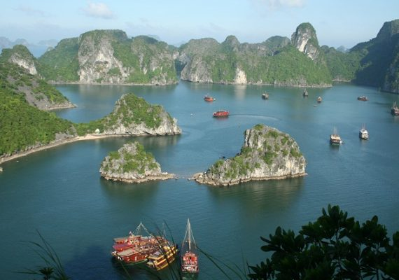 how-to-choose-a-right-cruise-for-halong-bay-tour