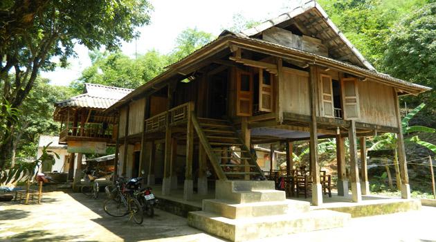 Mai Chau homestay - Farm trip