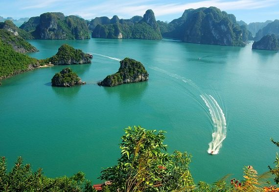 something-you-would-never-knew-about-halong-bay.jpg