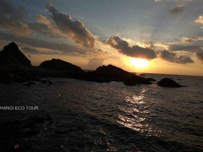 sun rise coto island
