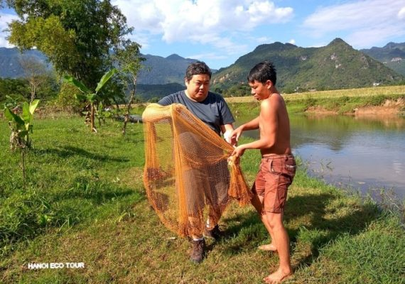 Mai Chau fishing and farming experience