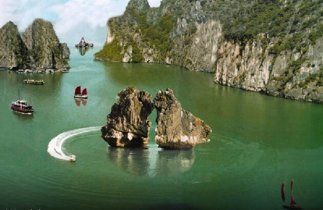 Halong Bay fighting cock islet
