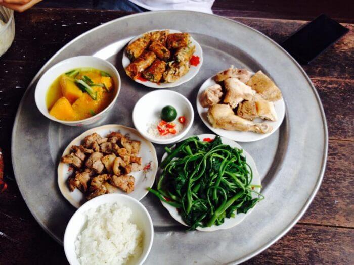 Duong Lam village tour