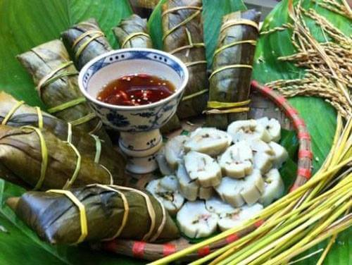 Banh Te - Rice Flour cake in Duong lam ancient village