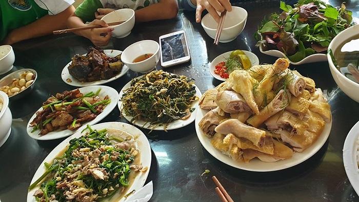 Freeran chicken is top things to eat for Vietnamese