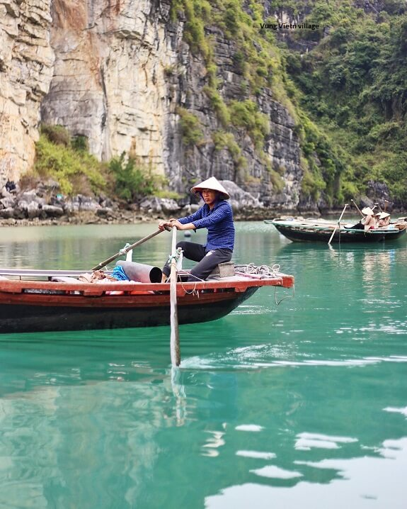 Local fisherman in Bai Tu Long bay