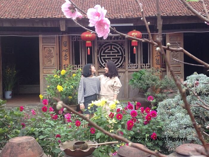 mr huyen ancient house duong lam village