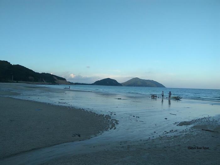 after noon minh chau beach