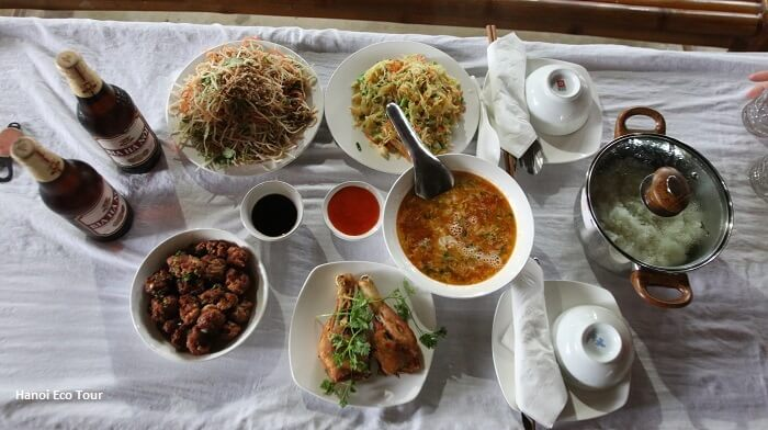 Photos of homecooked lunch in Mai Chau