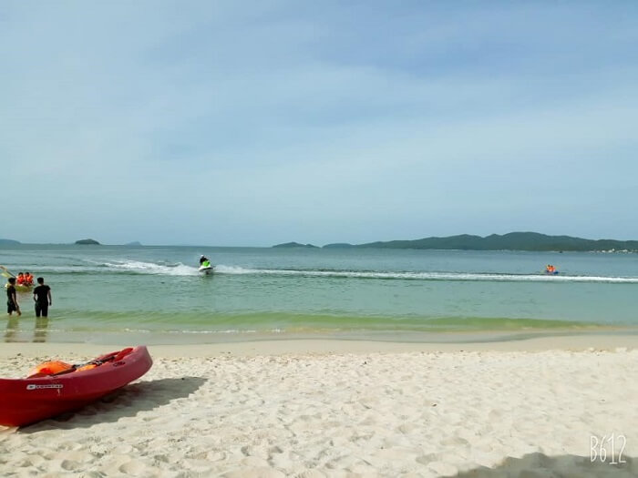 hong vang beach co to island