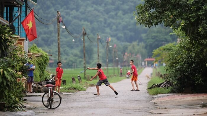 Playing badminton in Mai Chau