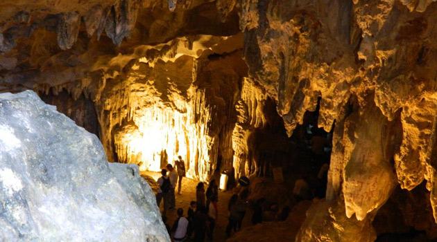 stalagmites-in-amazing-cave