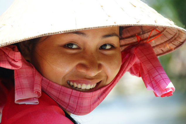 vietnamese-lady-smiling